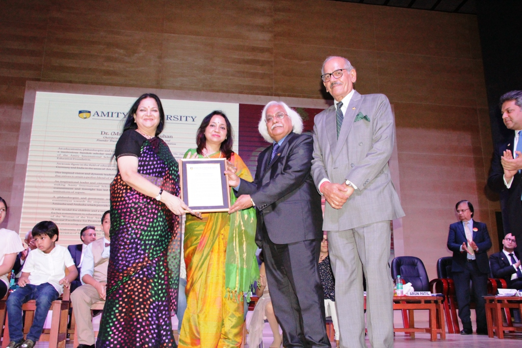 Dignitaries of Amity University Gurugram felicitating Chairperson Dr Amita K Chauhan