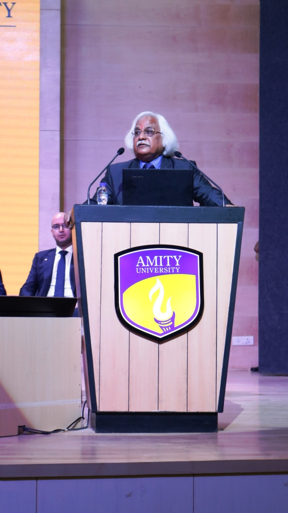 Hon'ble Vice-Chancellor Prof (Dr) P B Sharma addressing audience