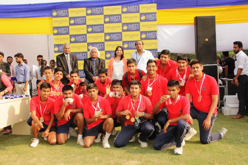 Winning team with Amity University Gurugram dignitaries