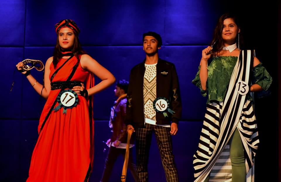 Contestants of Fashion Show