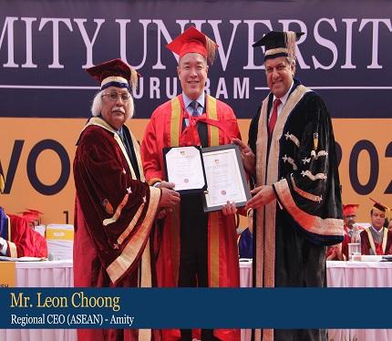 Mr Leon Choong, Regional CEO (ASEAN) feliciated by Dr Aseem Chauhan, Chancellor, Amity University Gurugram
