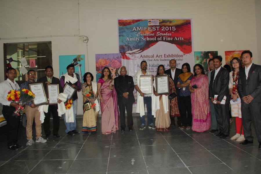 Group Photo of Artists with Team Amity at Amity school of fine arts, Art Gallery