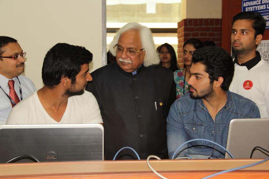 Prof Dr P B Sharma interacting with participants of Amifest_Coding Competition