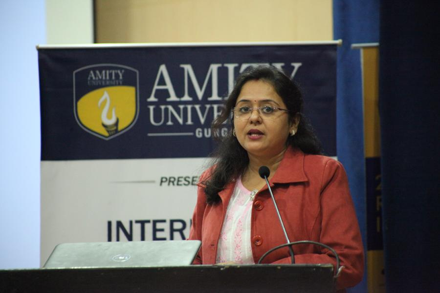 Dr Shubhra das,HOD,Renewal Energy department addressing students