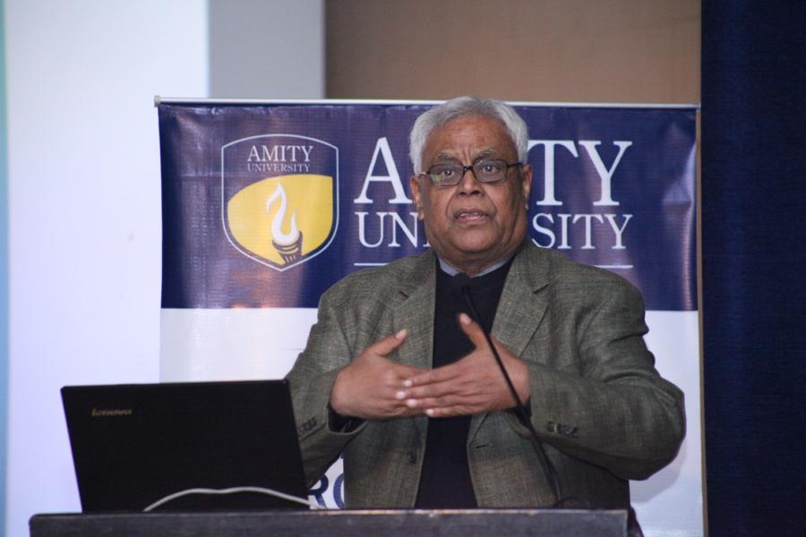 Er Anuj Verma speaking on Microbes