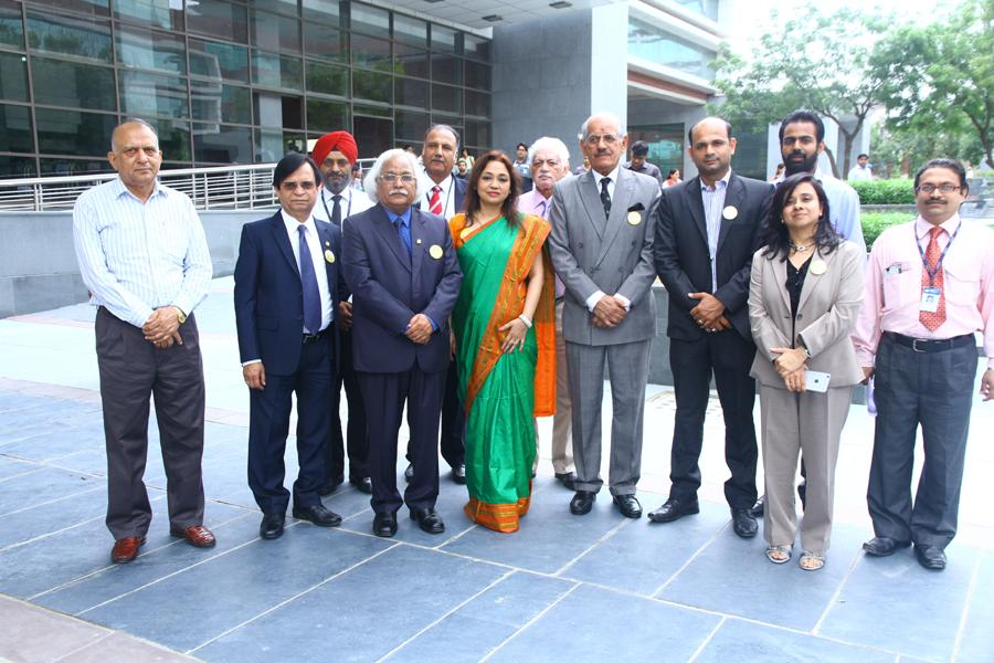 Team Amity with VC, Dy VC & Pro VC ( In Center)