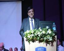 The Hon'ble Founder President Dr Ashok K Chauhan addressing the audience