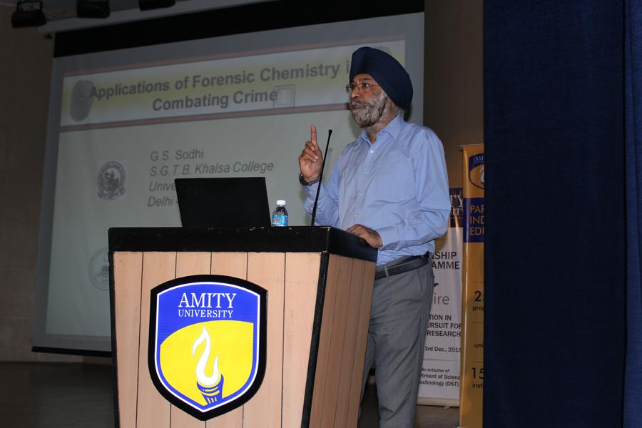 Dr. G S Sodhi addressing students on Forensic Science
